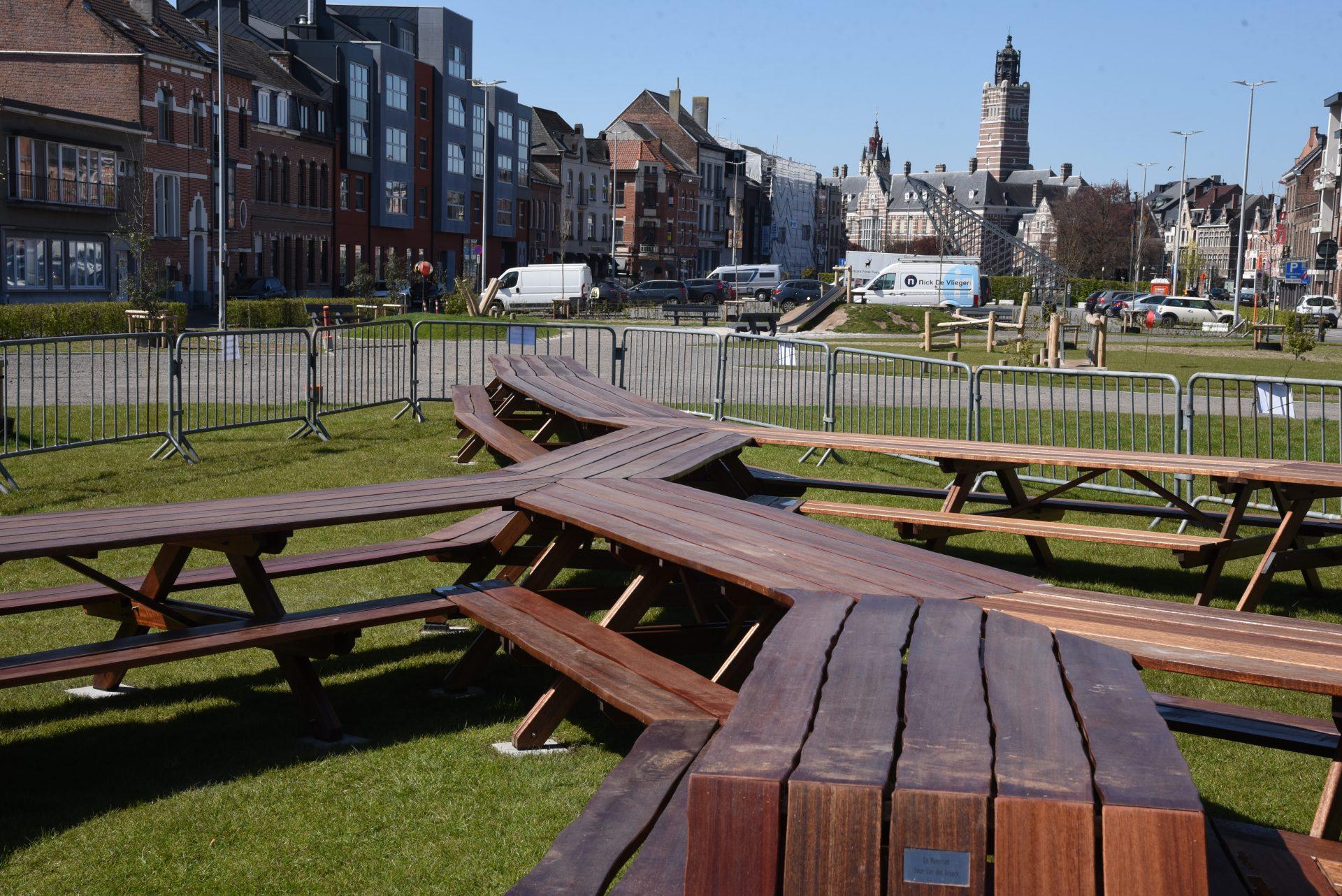 Nieuwe picknicktafel op Groene Dender