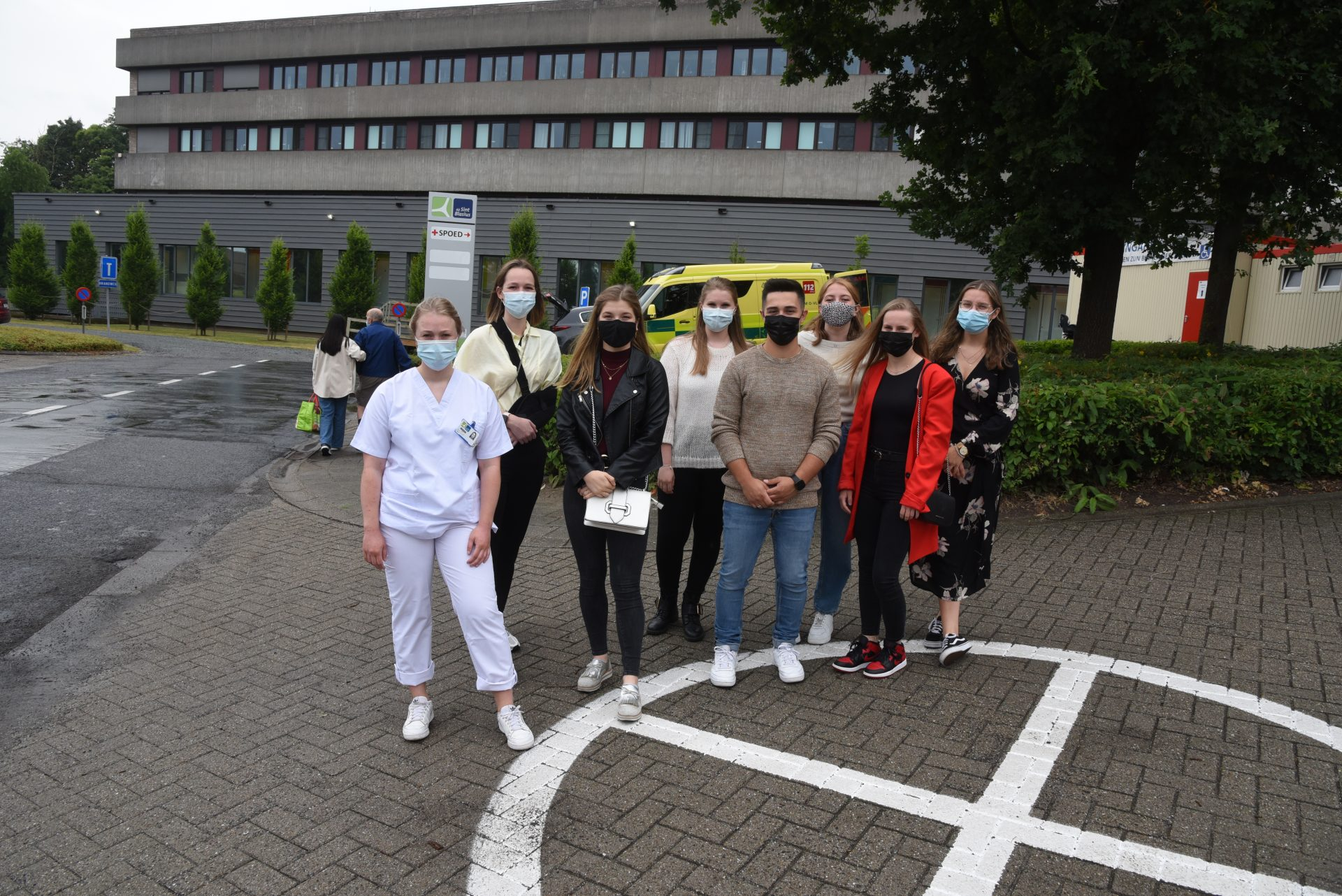 Studenten verpleegkunde voltooien leerwerkplaats op dienst Spoedgevallen
