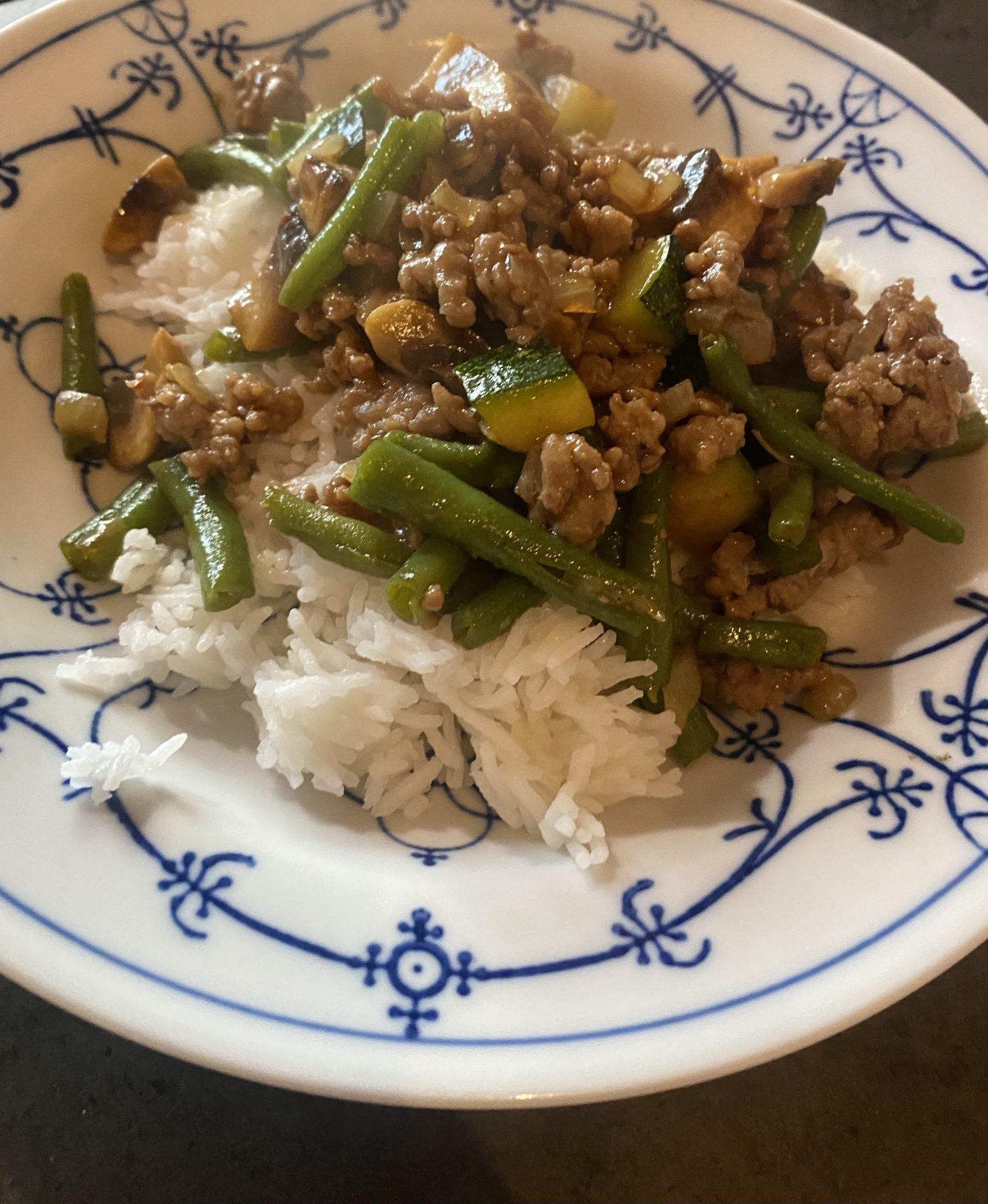 RECEPT: Rijst met gehakt en groenten